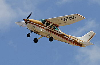 Turbo Cessna 182 Image