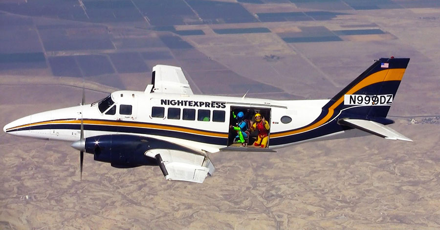 Skydive Taft Dropzone Image