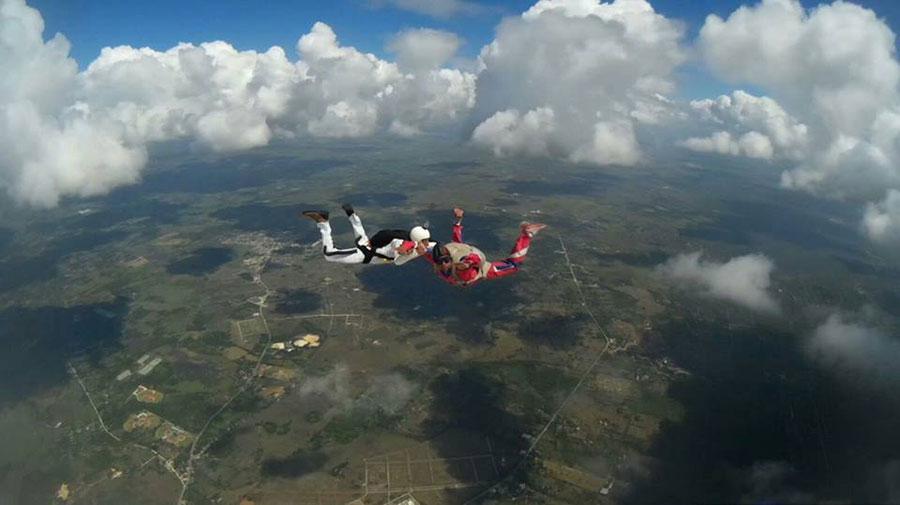 Club de Paracaidismo Cielo Azul Dropzone Image