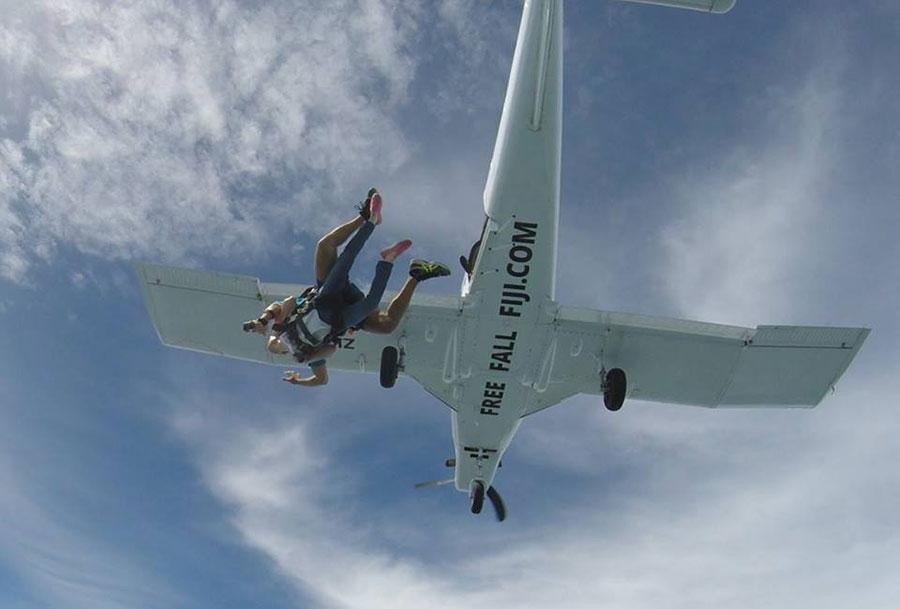 Free Fall Fiji Dropzone Image