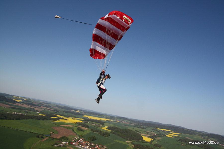 Fallschirmspringen Gera Dropzone Image