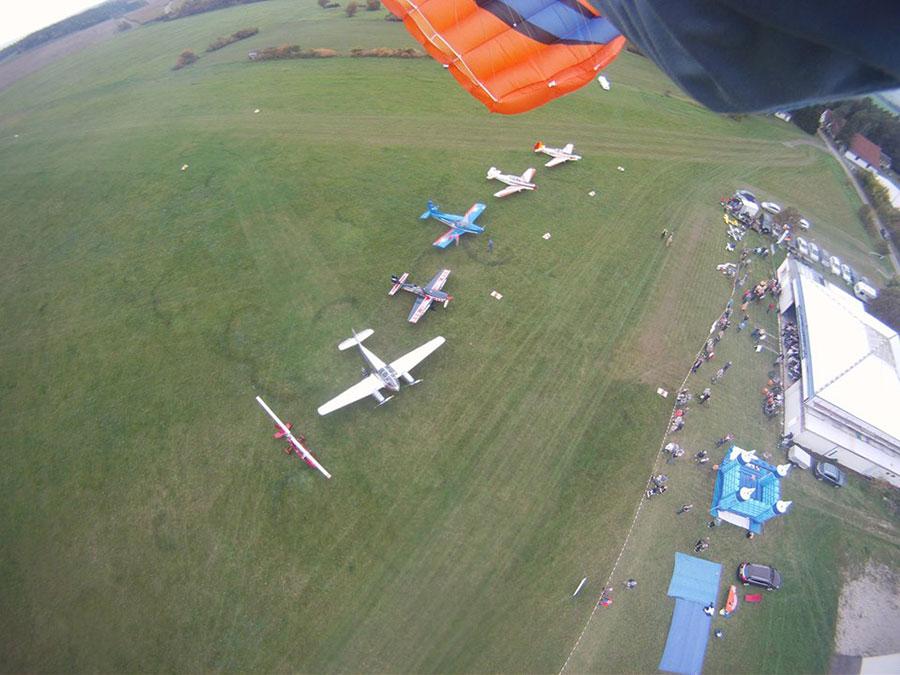 Fallschirmsportspringerclub Thüringia Dropzone Image