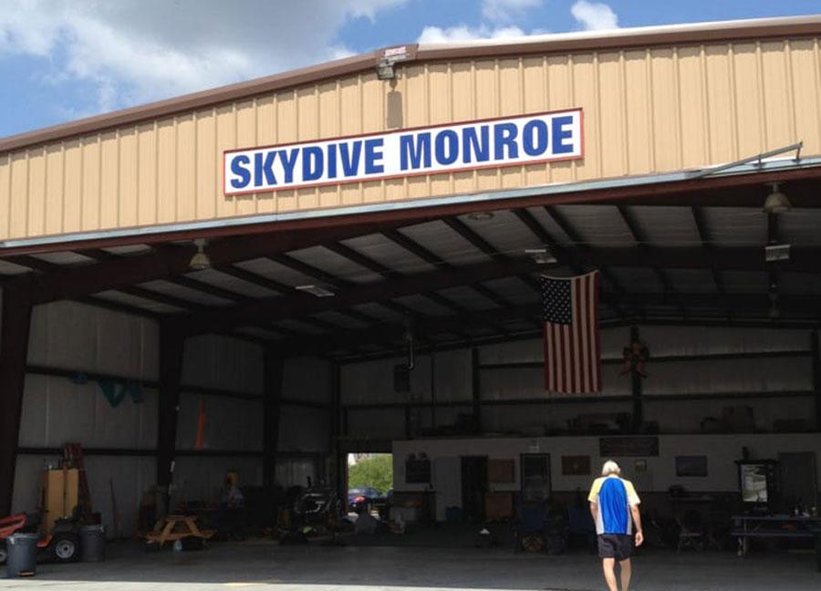 Skydive Monroe Dropzone Image