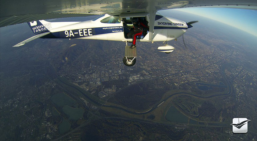 Skydiving Tandem Group Zagreb Dropzone Image