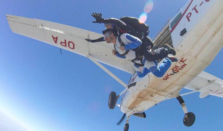 Vida Azul Paraquedismo Dropzone Image